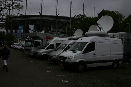 Newslive HD redundant SNG pointed to Intelsat 10-02