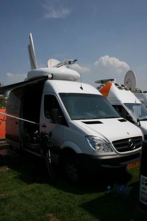 Newslive SNG in Amsterdam at satellite parking.