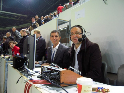 Commentary position