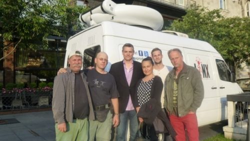 Linx nad Premier TV crews after sucessfull interview