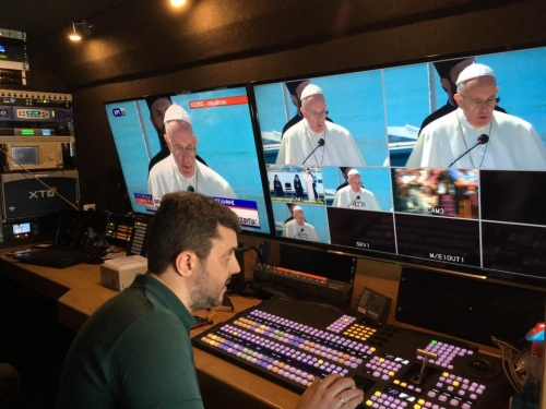 INA TV Live coverage for Pope Francis visit to Lesvos, Greece